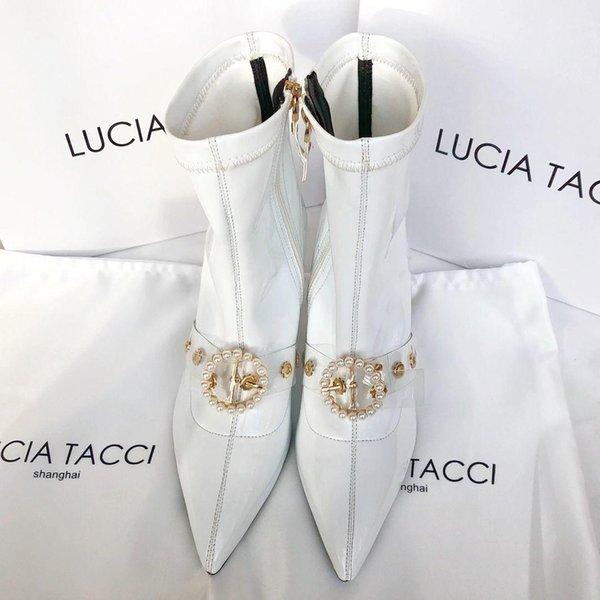 Las mujeres de cuero botas de alta calidad del estilo de manera femenino de tacón grueso señaló zapatos botas cortas de las señoras de las señoras de moda