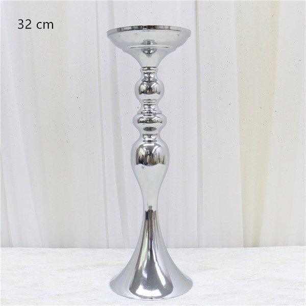 32 centimetri d'argento