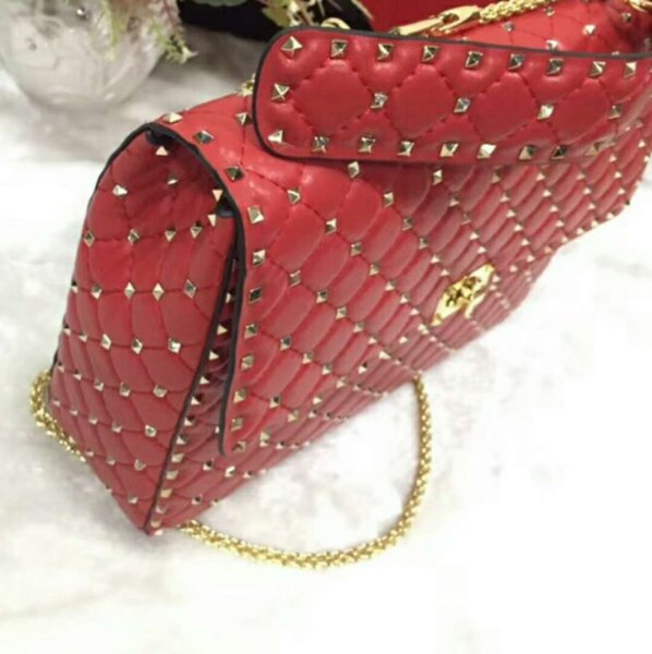 2019new genuine leather high fashion handbag diamond lattice metallic rose gold rivet full start travel women men big bag work gift OL 33cm