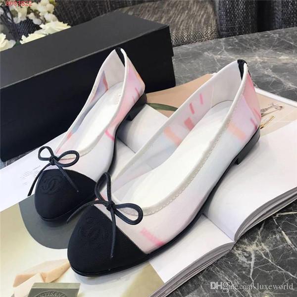 Nouveau printemps 2019 Femmes casual avec des chaussures respirantes en gaze de couleur transparente, sandales à talons, utilisation quotidienne