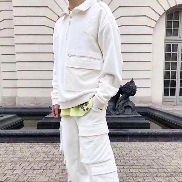 19SS Velvet Relief Moda Traje casual Pantalones de manga larga Jersey con cremallera Cuello otoño Diseñador de lujo Hombres y mujeres Traje de impresión HFHLTZ001