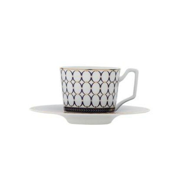 Color: taza y el plato