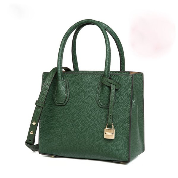 2019 New Top Cover Cowskin True Leather Bag Star with The Same Lock Bag Handbag, Bill of Lading, Shoulder Slant