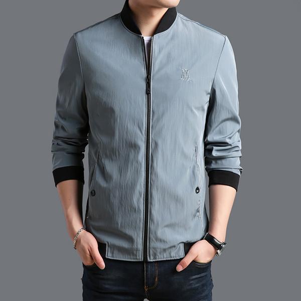 2019 Nuovo marchio di abbigliamento di moda uomo giacca casual colore solido colletto alla coreana mens cappotto tasche cerniere Mens Giacche e cappotti