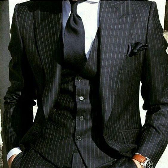 Date Un Bouton Groomsmen Peak Lapel De Mariage Marié Tuxedos Hommes Costumes De Mariage / Bal / Dîner Meilleur Homme Blazer (Veste + Cravate + Gilet + Pantalon) 956