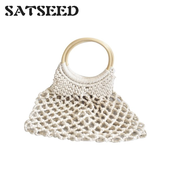 2019 New Trend Hollowed Netting Cotton Thread Hand-woven Round Wood Ring Rattan Handle Hand-held National Style Grass Knit Bag