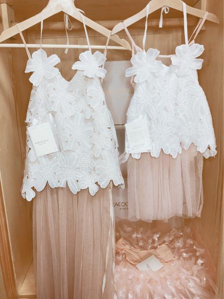 Il vestito da partito delle ragazze insiemi i bambini di alta qualità merletti i fiori del crochet canottiera + il vestito rosa da principessa 2pcs di Tulle della bretella rosa imposta A01613