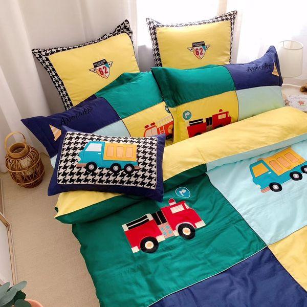 Remendos bordados applique desenhos animados fotos folha de cama jogo de cama capa de edredão colcha tampa três quatro peças twin queen size rosa azul