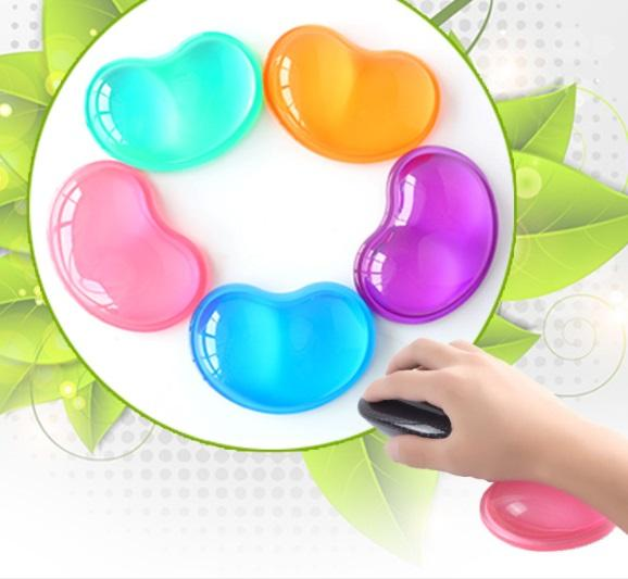 Transparent heart-shaped wrist support Anti-slip silicone mouse pad Crystal wrist support wrist pad cold hand pillow