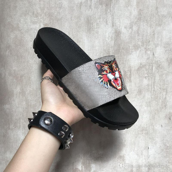Chinelos Novos Cinza Moda Sandálias De Luxo Das Mulheres Dos Homens Chinelos de Gato de Tigre Design de Verão Huaraches chinelos flip Melhor Qualidade Com BoX
