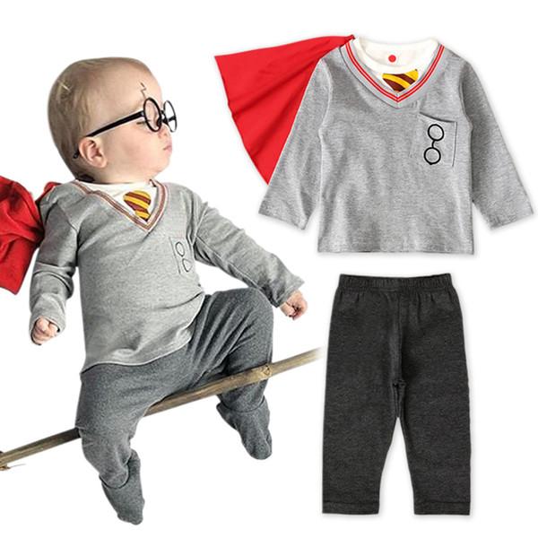 Kinder-Designer-Kleidung Jungen College-Art Outfits Säugling Umhang + tops + pants 3pcs / set 2019 Frühling und Herbst Art und Weise Baby-Kleidung stellt C1771