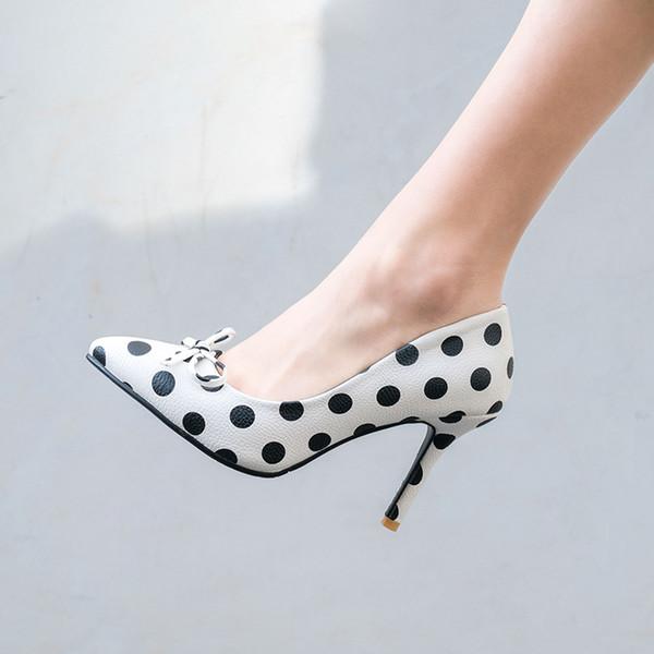 Heißer Verkauf 2019 Einzigartige Sexy Frauen Weiß Schwarz Gepunktete Bowtie Spitz Frauen Pumpt 70mm Mode High Heels Schuh für Frauen Büro Kleid schuh