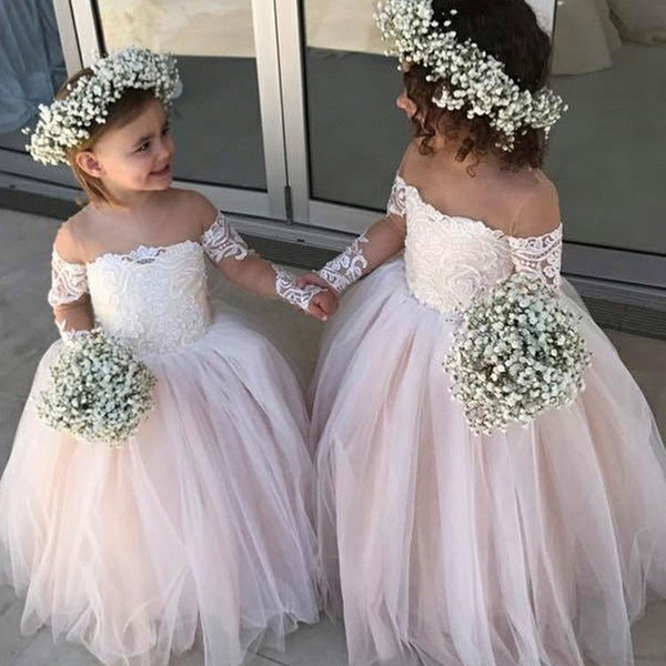 Ball Gown Flower Girls Dresses 2019 Illusion Neck Floor Length Lace First Communion Dress for Little Girls Zipper Back Long Sleeves