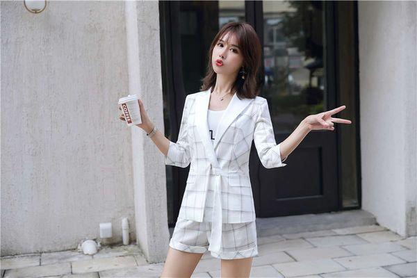 Branco curto terno de calça