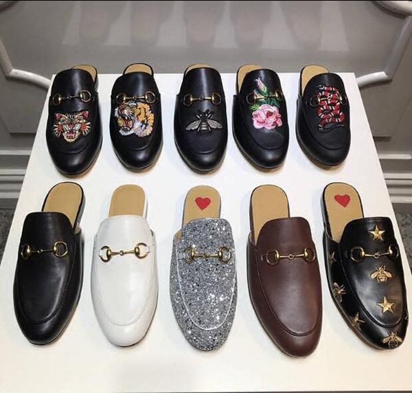 Мужчины роскошные кожаные мокасины Мюллер дизайнер тапочки Мужская обувь с пряжкой мода мужчины Princetown тапочки коричневый повседневная мулы квартиры 38-46