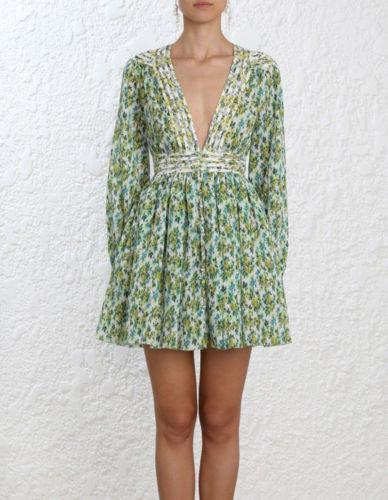 Nuovi abiti estivi da mini abiti a pieghe con stampa floreale a pieghe della pista sfilata