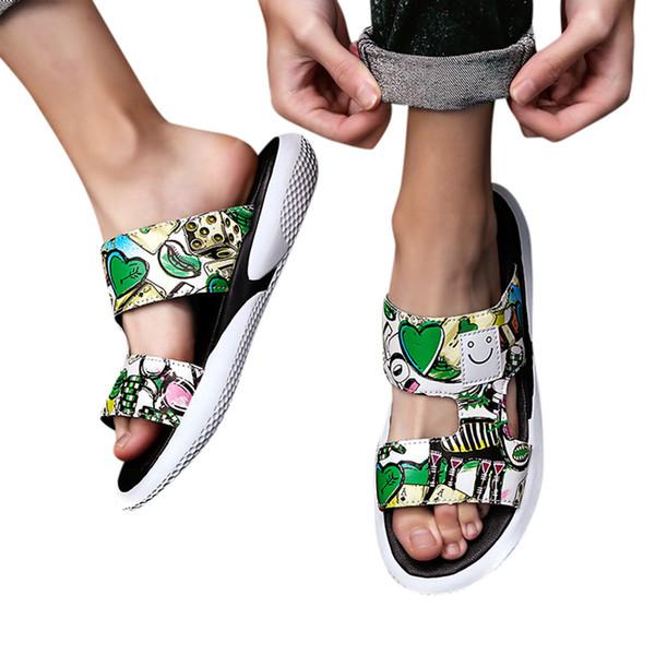 Perimedes Trend Personality Hausschuhe Schuhe für Männer New Street Beach Casual Hausschuhe Sommer flache Sandalen Männer Strand