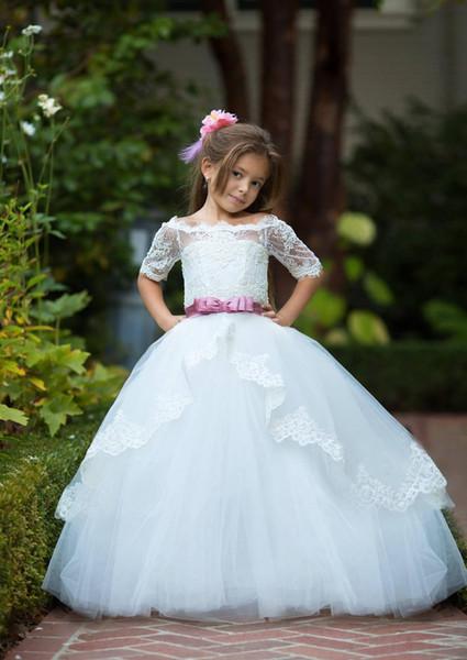Beyaz Çiçek Kız Elbise Düğün Kapalı omuz Dantel Küçük Kız Desen Parti Noel Tatili Doğum Günü Elbise Tren Örgün Durum Özel
