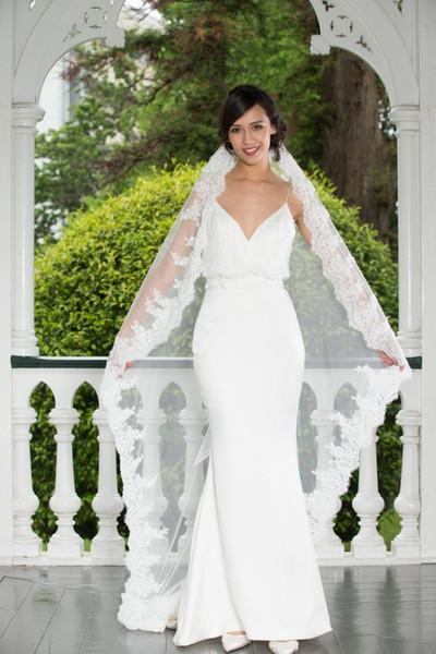 2019 New Top Quality Best Sale Cheap Romantic White Ivory Mantilla veil Waltz Length Lace Edge veils For Wedding Dresses