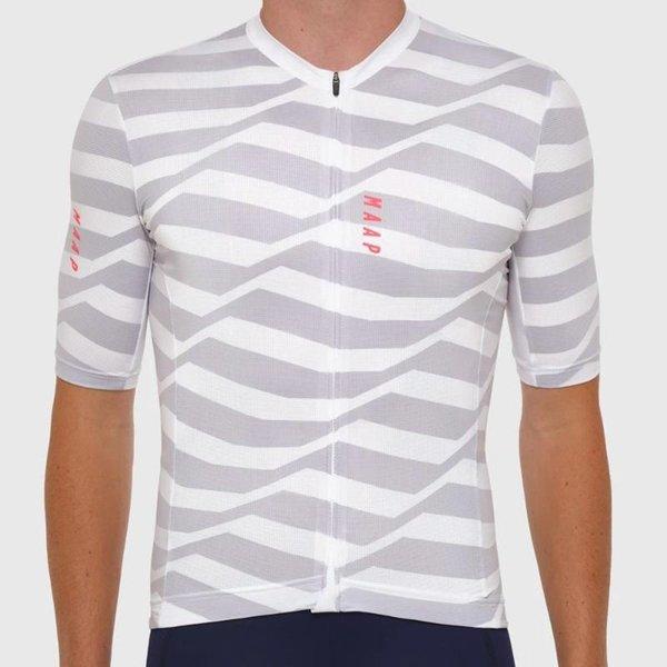 12 camisas