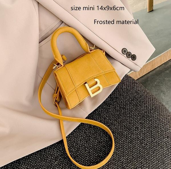 mini 14cm di colore giallo