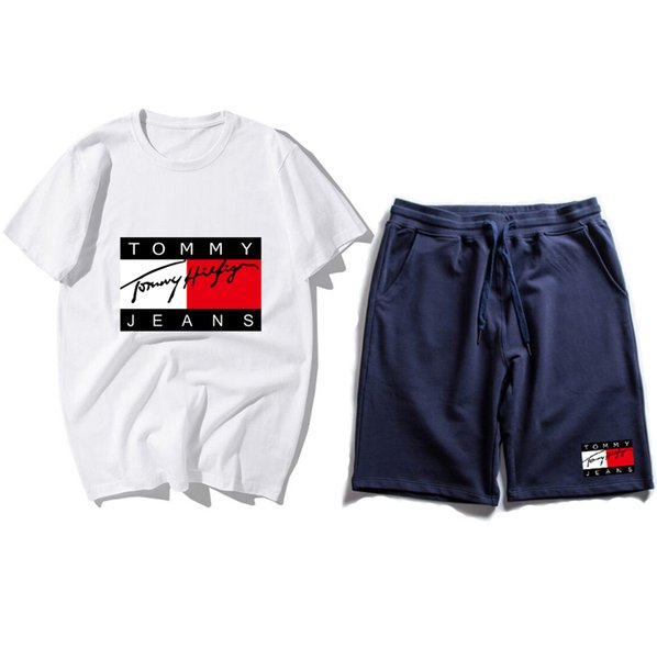 19 Mens Designer Tracksuits Sportswear Men's Jogging Suits Short Sleeve T Shirt and Shorts Spring Summer Casual Unisex Brand Sportswear Sets