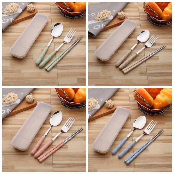 3pcs / set portátil palha de trigo Faqueiro aço inoxidável pauzinho Fork Colher Talheres Set Dinnerware utensílio Define com plástico caixa FFA2995