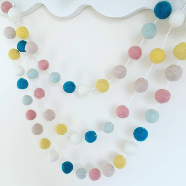 Clouds New 20PCS Wool Felt Ball Garland string Grey Pink White 3cm Wool Felt Balls strand Baby Kids Room Decorations
