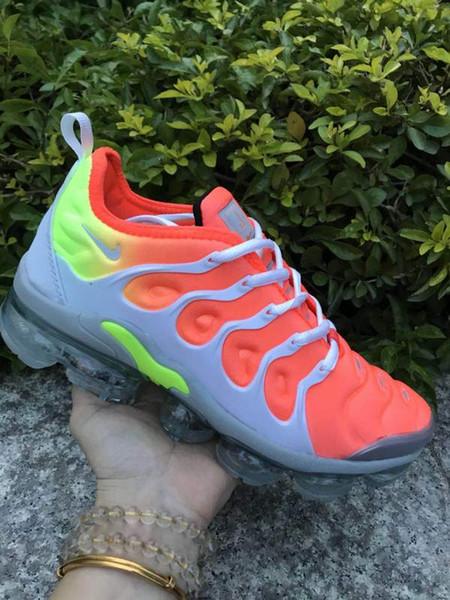 Scarpe da uomo 2019 Novità di design Scarpe da ginnastica basse ricamate in pelle bianca di lusso basse Scarpe da tennis per uomo Sneakers da tennis per uomo Donna Mer