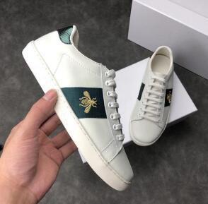 Wholesale Designer de calçados casuais homens mulheres Classic trainers python tigre abelha Flor Tênis de Amor Bordado com caixa de 11