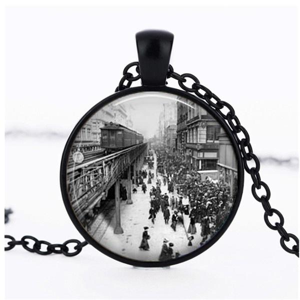 New York 1920s Train Station Scene Pendant Necklace Retro Time Gemstone Necklace Fashion Men and Women Clothing Accessories