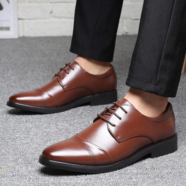 Erkekler yaz erkek elbise daireler adam resmi lace up brogue ayakkabı mens iş sürüş zapatos de hombres personlizar