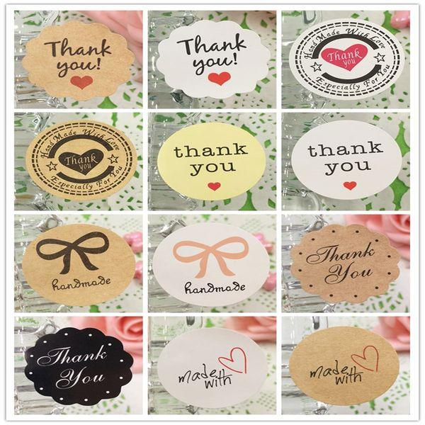 3000Pcs Amour Est Doux Rond Et Fleur-forme Patterns Design Autocollant Papier Adhésif Pour Engagement Cake Coupe Book Box Sac Étiquettes