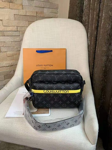 Early Spring New Type Wide Shoulder Belt, Old Flower Slant Brassiere, Women's Bag, Lock Head Zipper, Luggage, Postman Bag