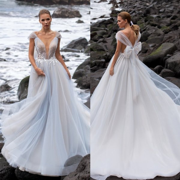 Bohemian 2020 Tulle Wedding Dresses Luxury Sheer V Neck Boho Lace Appliqued Bridal Gowns Bow Back Country Style Beach Wedding Dress