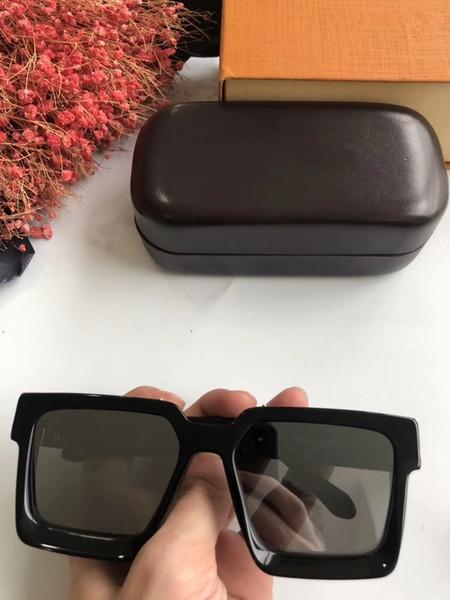 schwarz mit silbernem Objektiv