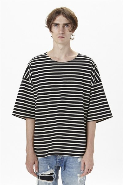 T-shirt oversize d'été en coton à la mode T-shirt décontracté en vrac à manches rayées noires et blanches pour hommes Taille S-XL