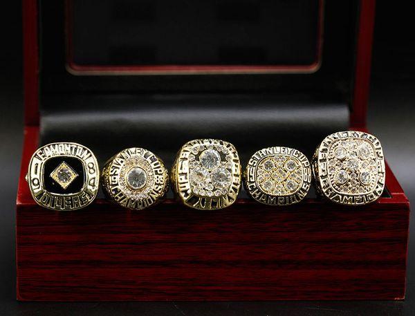 5 Ringe mit Box