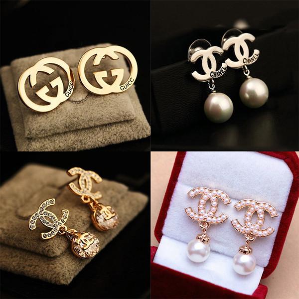 Diseñador de la marca Pendientes Moda Mujer Letras Stud Pendiente Cristal Diamante Pendientes de lujo Regalo de la joyería Venta directa