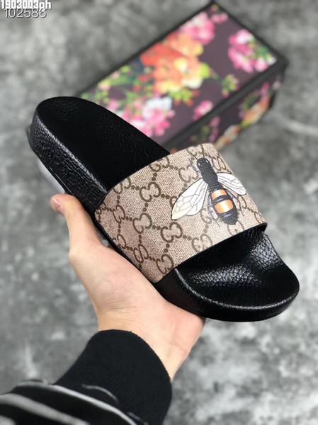 Yeni Lüks Tasarımcı Mens Womens Yaz Sandalet Plaj Slayt Lüks Terlik Bayanlar Tasarımcı Ayakkabı Baskı Deri Çiçekler Arı Ile 36-46 kutu