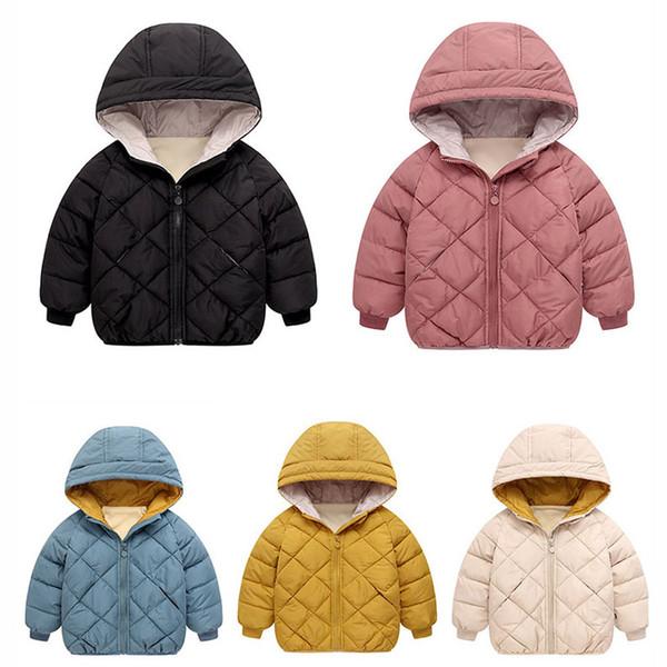 Cappotto per bambini Designer Piumino Tinta unita Giacche per ragazzi Stampa scozzese in rilievo Stampa Cappotti per ragazze Moda Giacche a vento con cappuccio Commercio all'ingrosso 5 colori