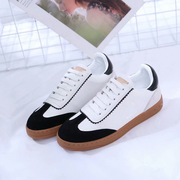 Cheap Best Running Shoes Chain Reaction Casual Designer Shoes Mens Womens Top Quality Fashion District Medusa Link-Embossed Sole dx190703