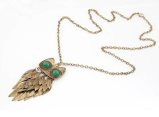 best selling Vintage Style copper tone leaves green crystal eye owl necklace