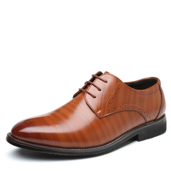 38-47 Oxford Brogues High Male Shoes Bullock Formal Business Business Lace-Up Plus Shoes Tamaño vestido de calidad