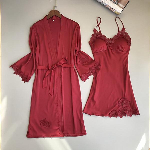 Robe e conjunto de vestidos