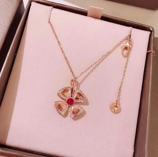 New Designer Classic Forever Crystal Necklace Lover Leaves Pendant Necklace Jewelry Wedding Valentine's Gift Jewelry Wholsale For Women