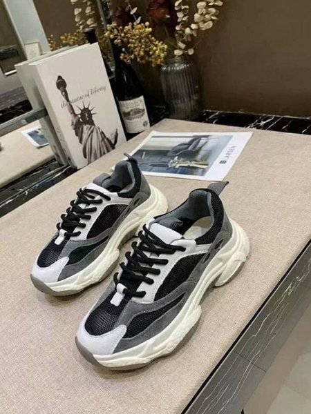 Новая заводская акционная цена! Холст обувь Женщины Низкий стиль Классическая обувь Холст Повседневная обувь Холст леди кроссовки