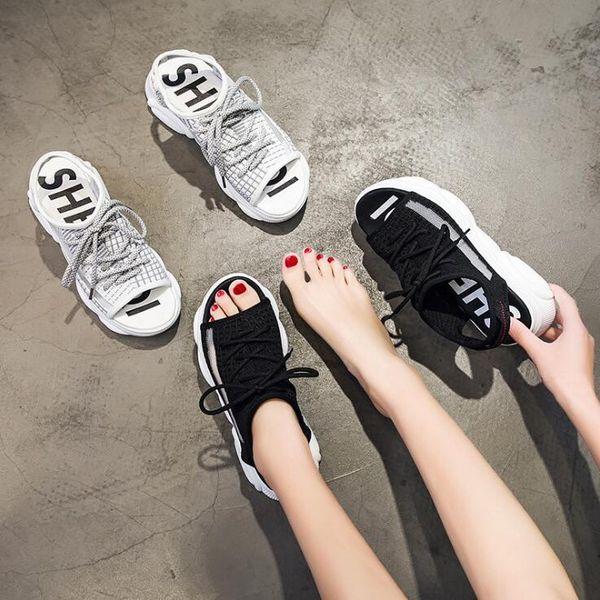 2019 Son Çıkan Bayanlar Örgü Nefes Sandal Avrupa ve Amerika Yaz Rahat Tasarımcı Platformu Sandal Sıcak Satış Kadın Eğilim Vahşi Spor Sandalet