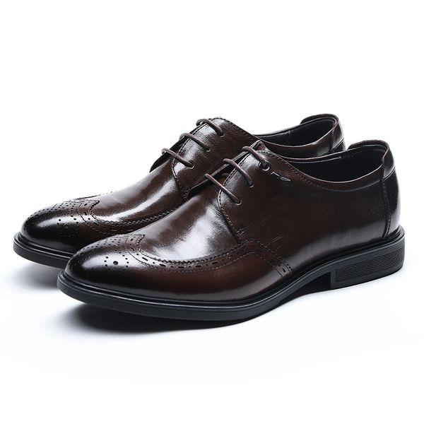 Fretwork Floral Dress Shoes For Man Vintage Original Leather Men Brogue Shoes European Style Breathable Male Casual Derby