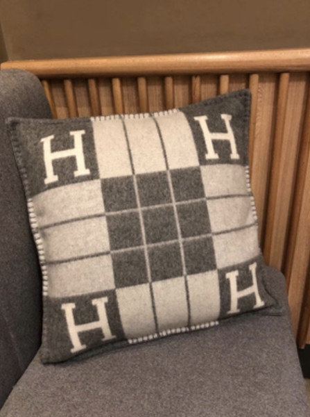 coussin GRAY